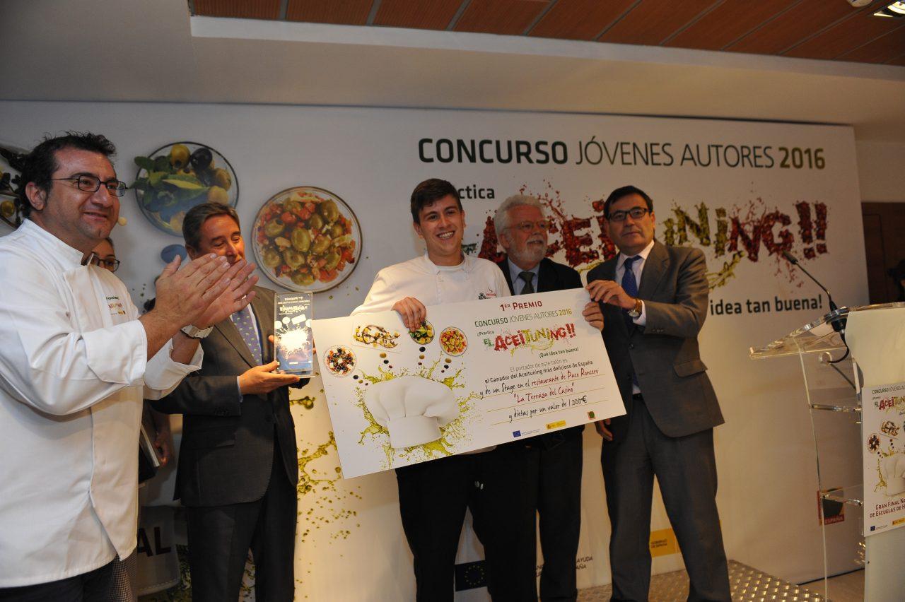 Javier Román gana el Concurso Aceituning Jovenes Autores 2016