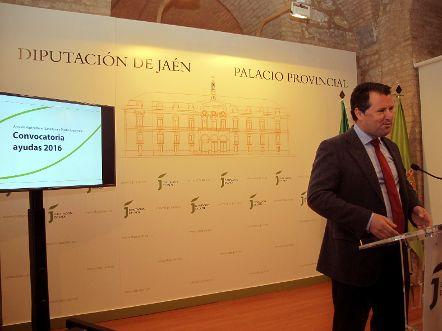 La Diputación de Jaén incrementa hasta los 870.000 euros las ayudas para los sectores agrícola, ganadero y medioambiental