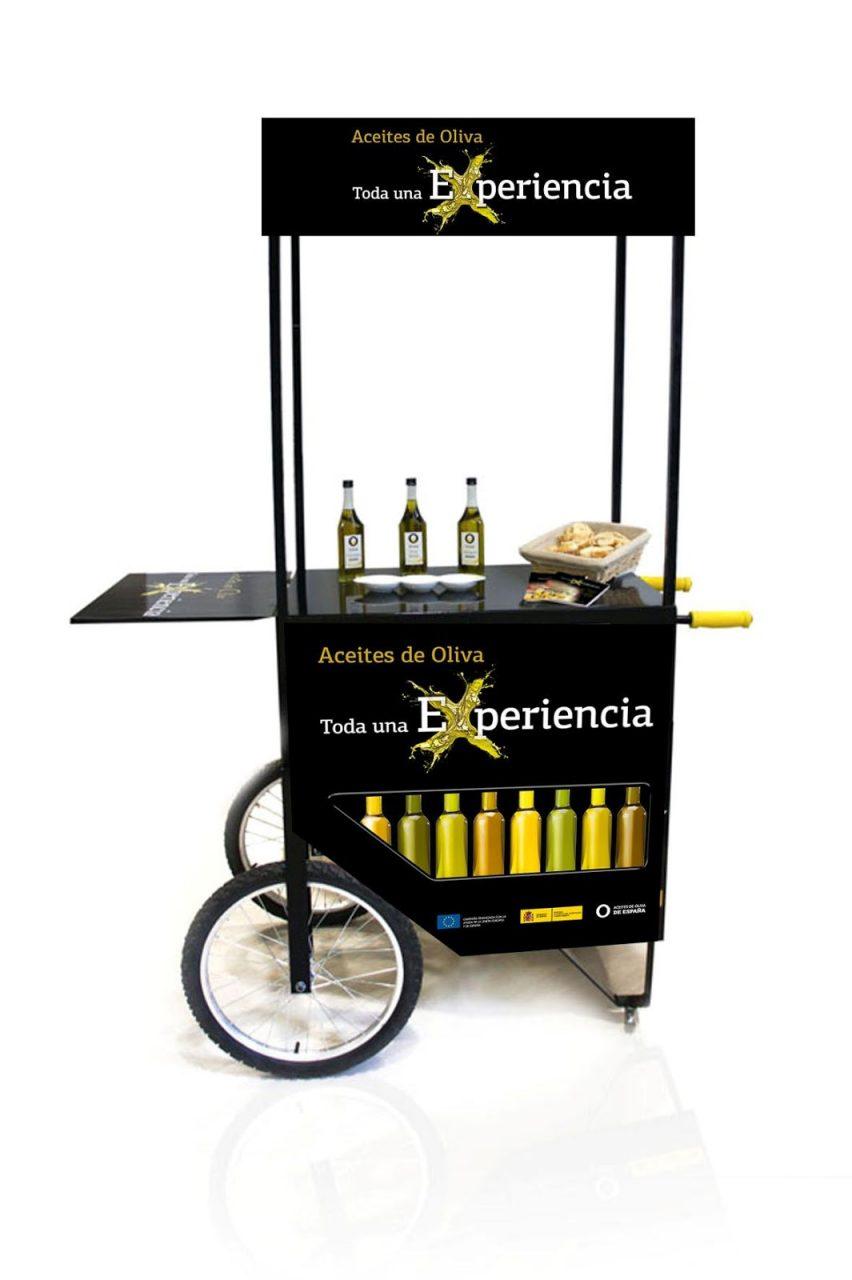 Málaga acoge hasta el sábado los 50 carritos de aceites de oliva