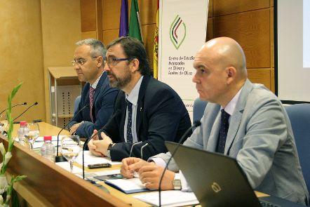 La Universidad de Jaén impulsa la relación con el sector empresarial oleícola