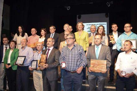 Juan Vilar, premiado por la DO Poniente de Granada y Jaén Solidaria por la difusión que hace del aceite de oliva