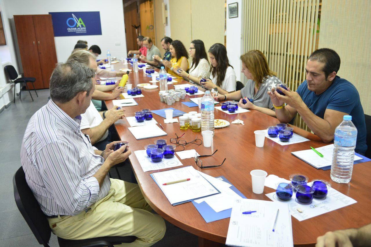 Nuevo curso de iniciación a la cata en el Centro de Interpretación Olivar y Aceite