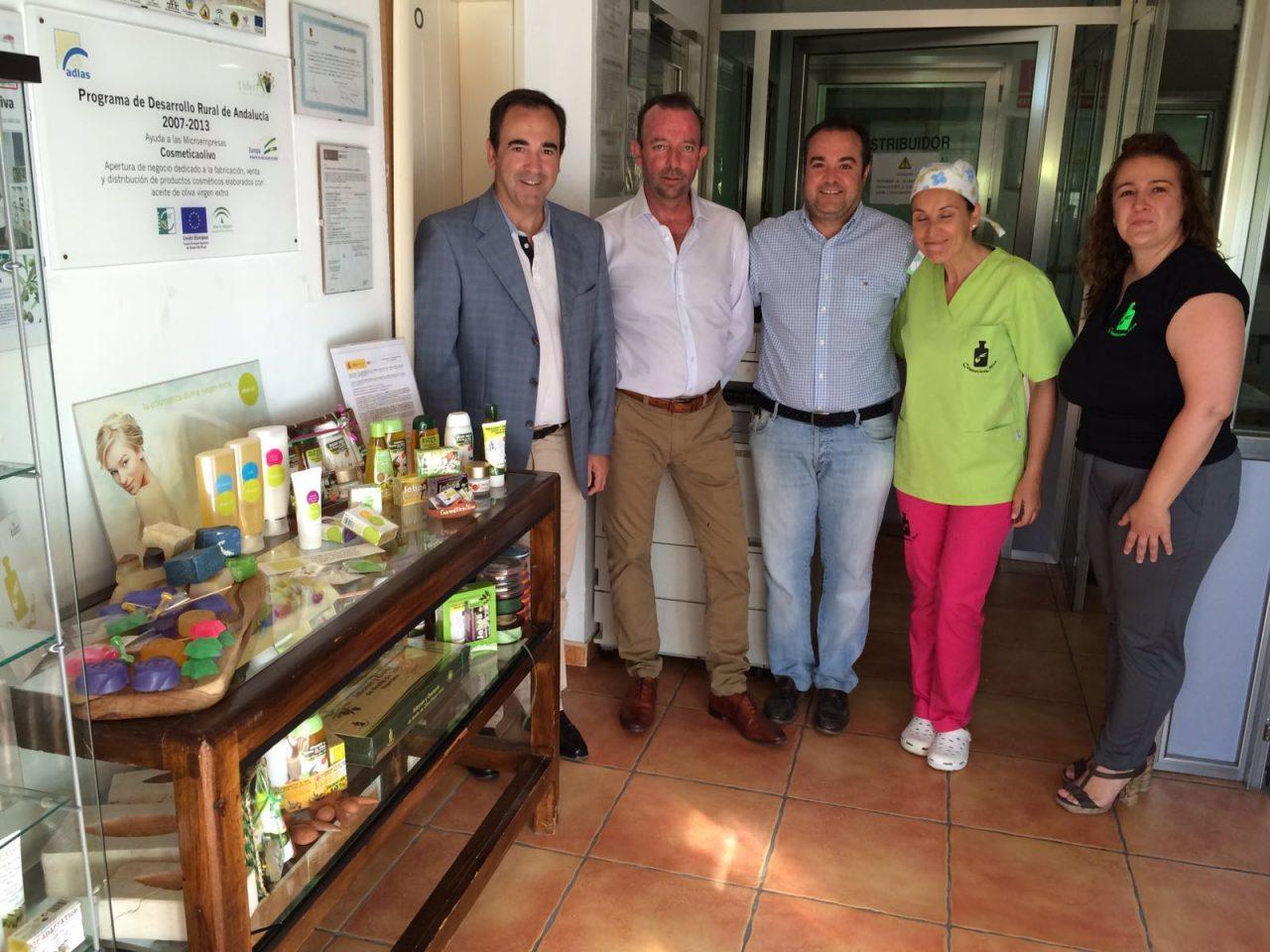 La Junta aborda con CosméticaOlivo vías de colaboración para seguir con la innovación en sus productos con AOVE