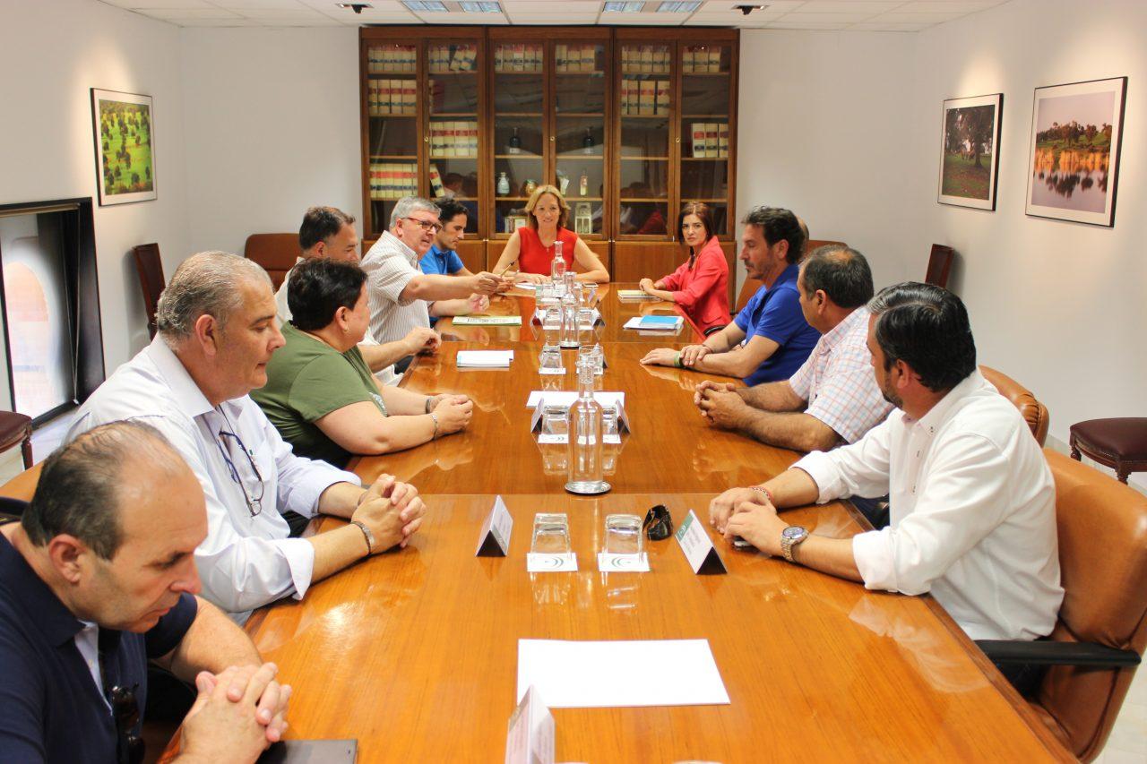 La consejera de Agricultura se reúne con la nueva dirección de la UPA en Andalucía