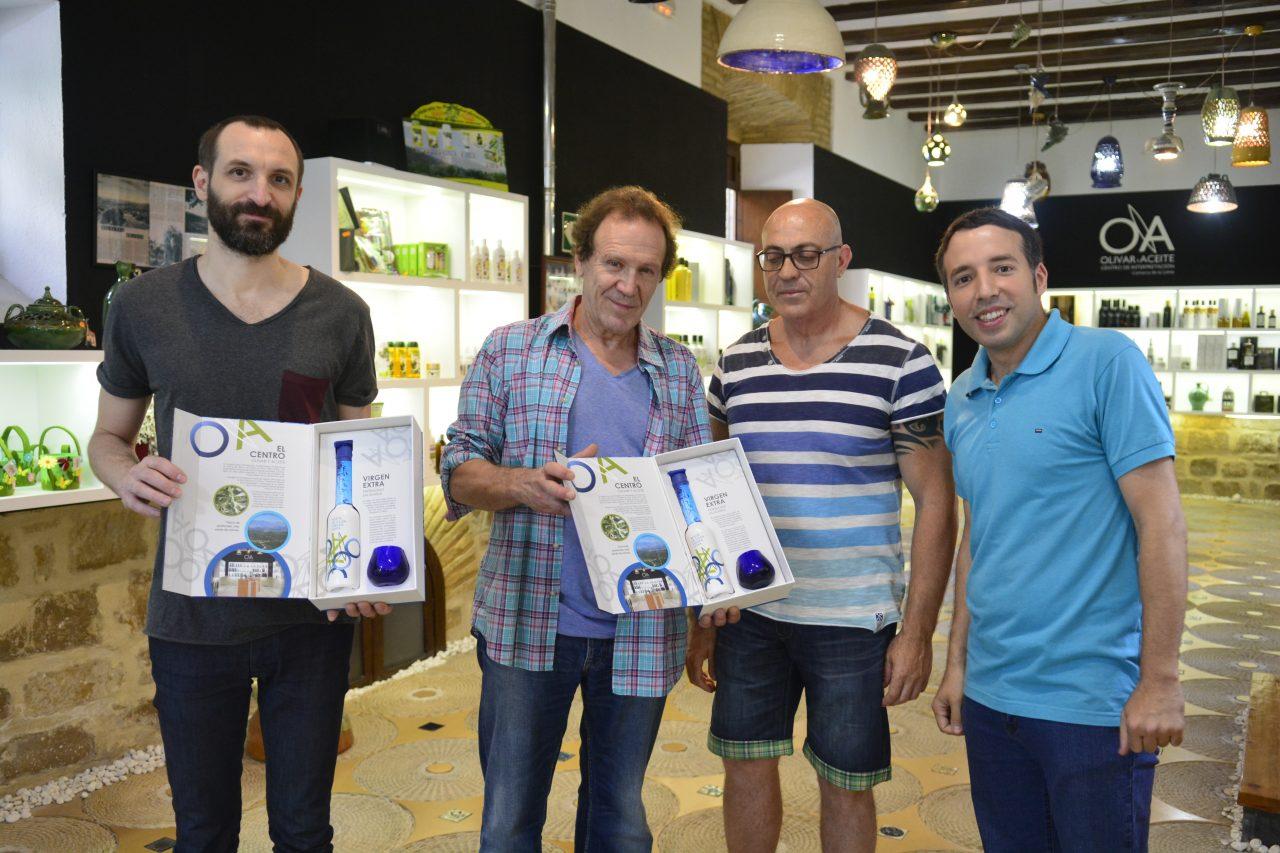 Actores de la serie «El Ministerio del Tiempo» visitan el Centro de Interpretación Olivar y Aceite