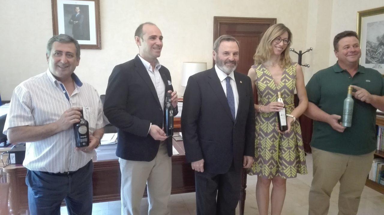 Los Premios Alimentos de España reconocen el esfuerzo de los productores de aceite de oliva virgen extra de Jaén