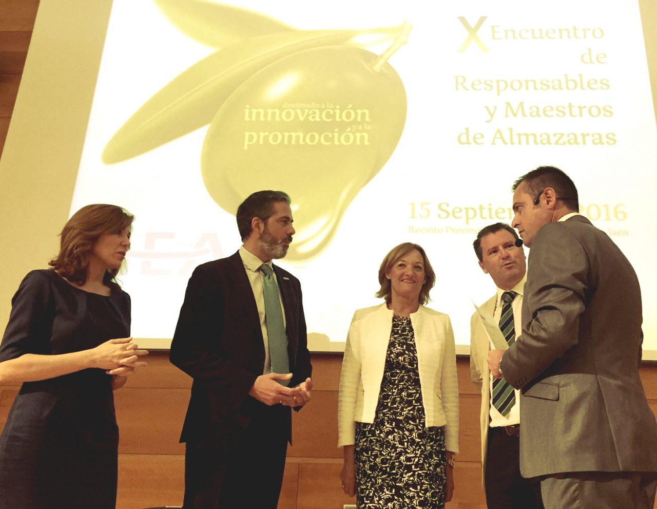 Carmen Ortiz anima al sector a trabajar contra la banalización del aceite de oliva
