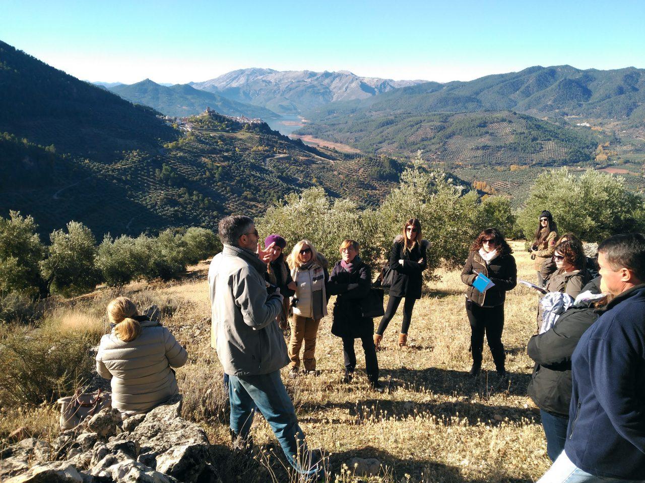 La DO Sierra de Segura promociona la calidad de sus aceites entre un grupo de periodistas