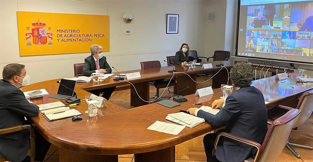 La consejera de Agricultura afirma que Europa no pide una convergencia brusca de la PAC como está implantando el Ministerio en el periodo transitorio