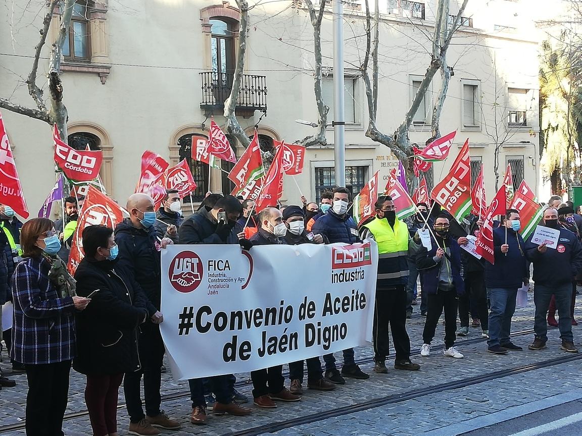 Culmina sin acuerdo otra reunión del convenio del aceite de Jaén después de cuatro horas de negociación
