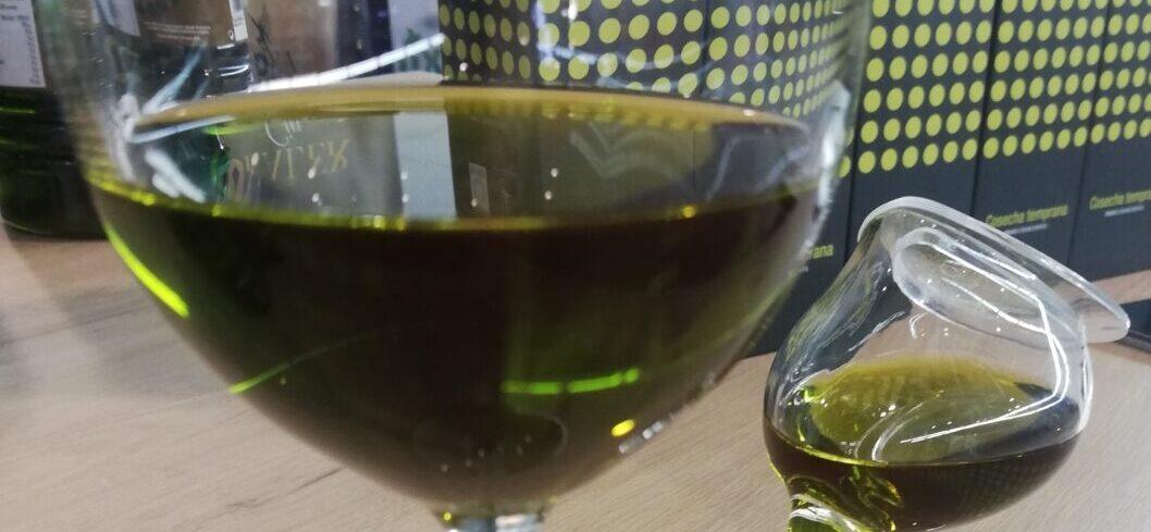 Cooperativas augura una tendencia al alza del precio del aceite de oliva y ratifica que la producción se situará en 1.450.000 toneladas en España