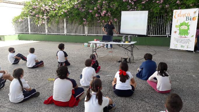 Doce centros educativos de la provincia de Jaén participan en la II edición del programa escolar «EducaBio»