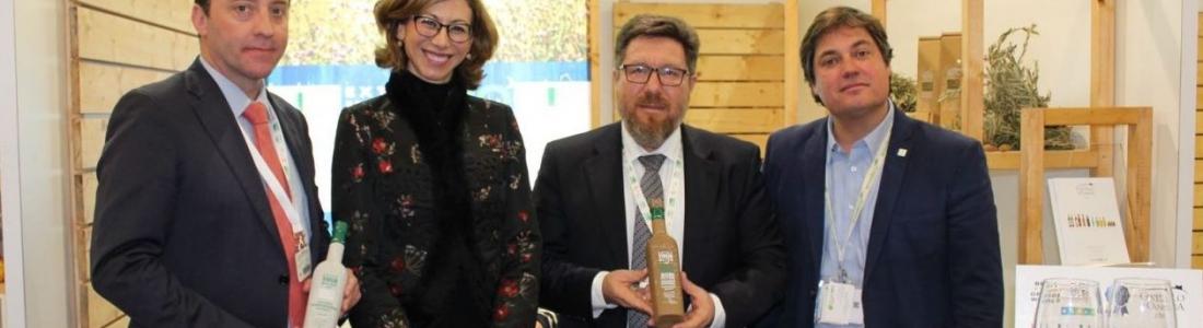 El consejero de Agricultura respalda la participación de los productores ecológicos andaluces en la feria Biofach