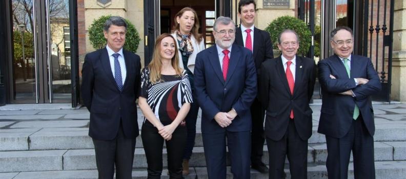 La Universidad de Córdoba premia a la Interprofesional del Aceite de Oliva por su compromiso con el el fomento de la I+D+i