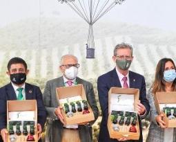 La Diputación presenta una nueva caja para facilitar la cata de los aceites Jaén Selección en acciones promocionales