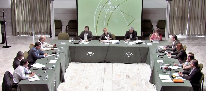 Víboras apuesta por la unidad de la Administración y del sector para conseguir una aplicación de la PAC favorable para Andalucía
