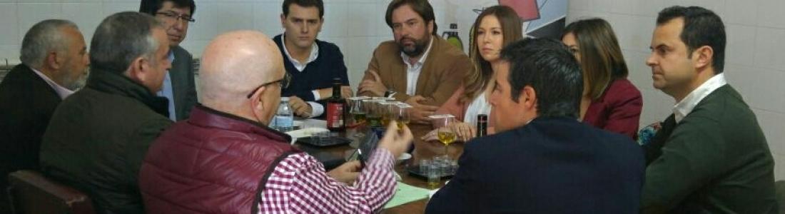 Reunión del presidente de Ciudadanos para analizar la situación del sector oleícola